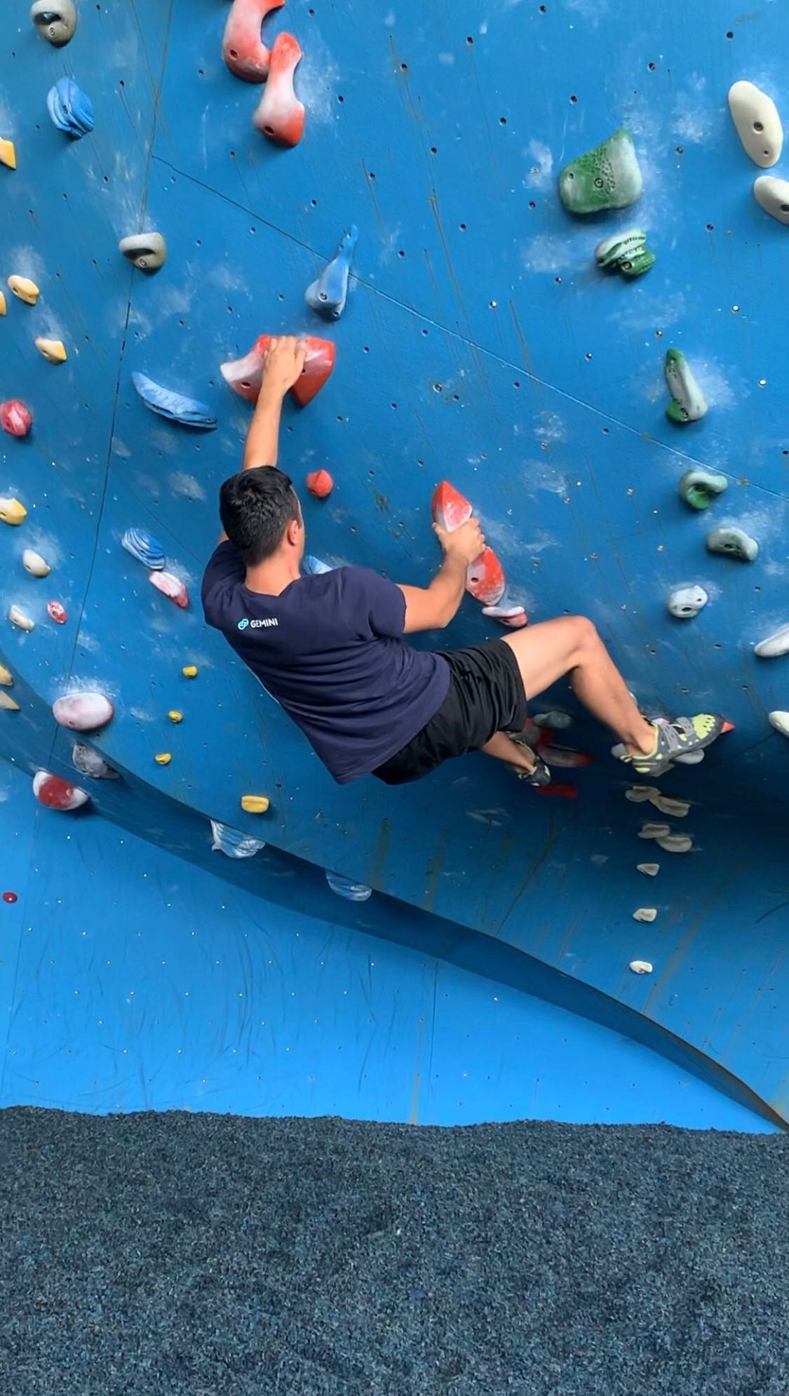 rockclimbing aris.jpg